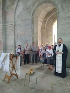 Молебен на месте строительства Тихвинского храма 20.05.18